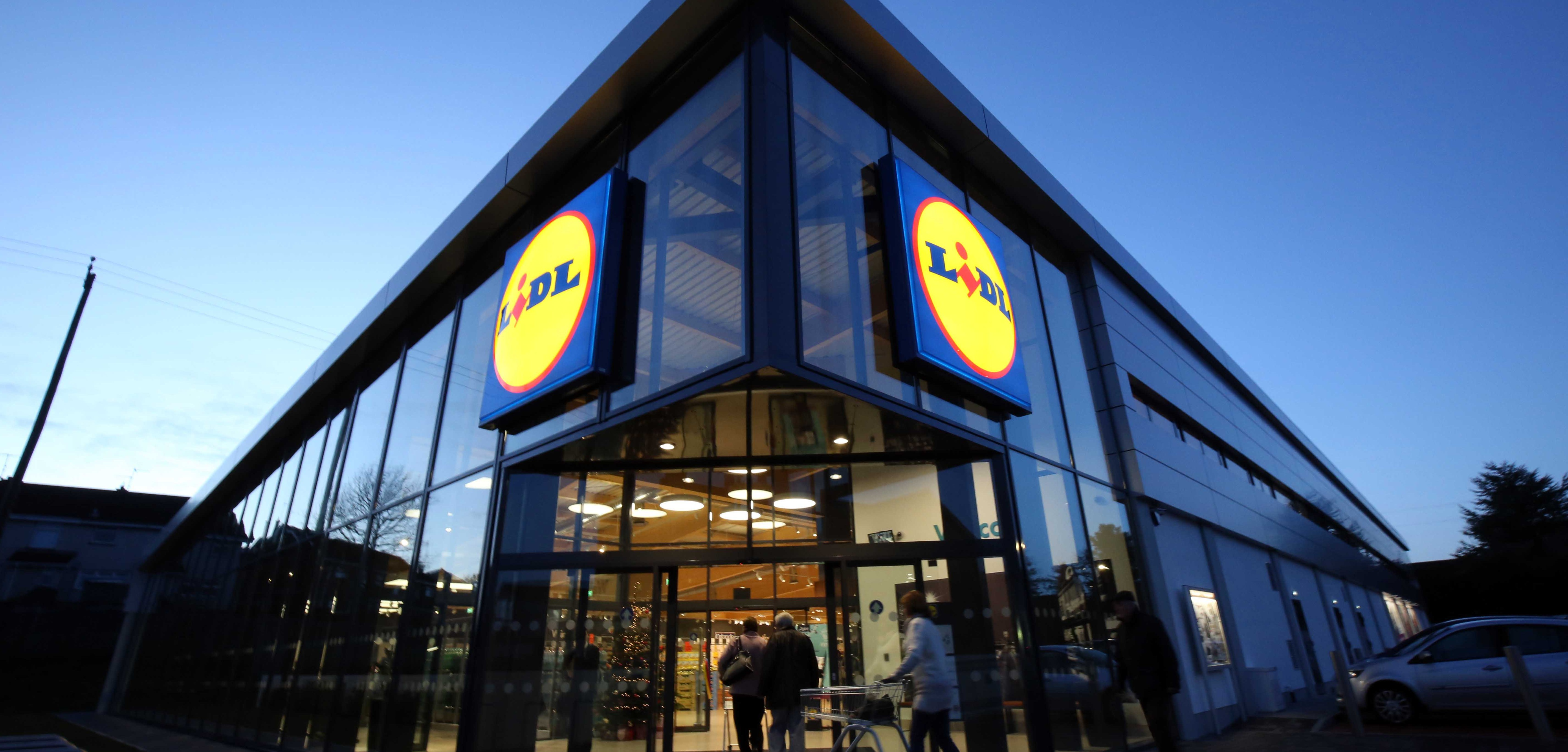 Lidl to offer its employees free weekly antigen test