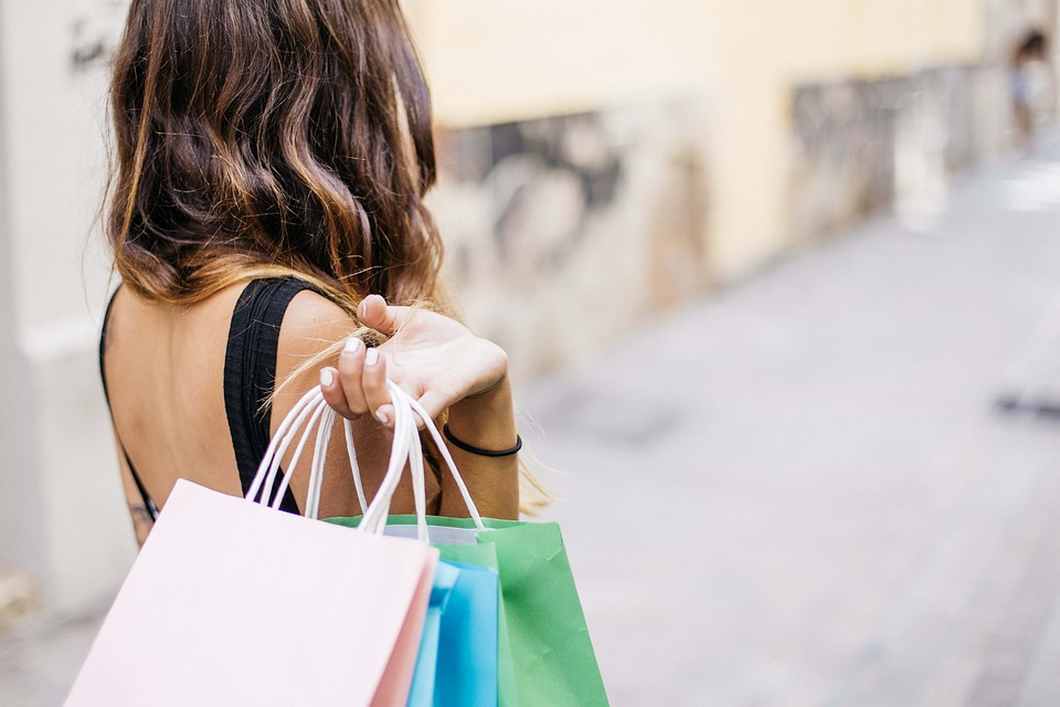 Sensory experiences drive 9 out of 10 shoppers back to stores