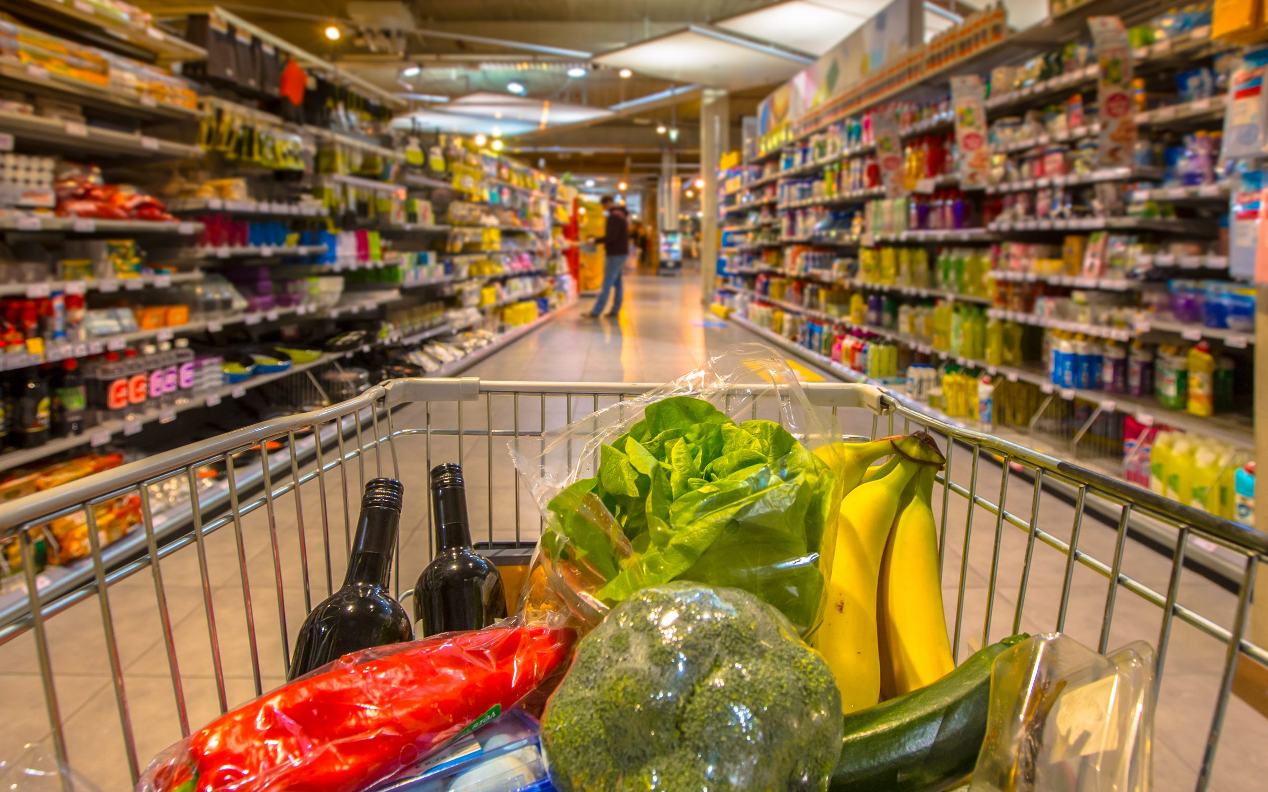 Lockdown Drives Up Grocery Sales in NI – Symbols increase market share – Sainsbury's out performs Tesco