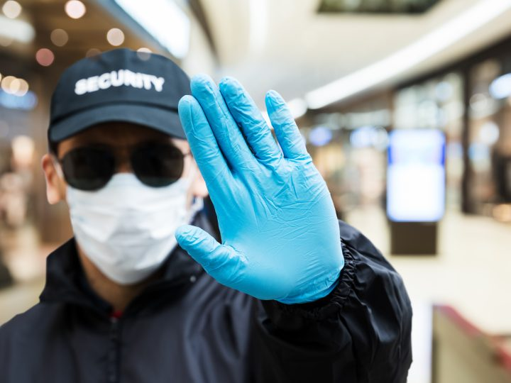 Supermarket chains to enforce mask wearing in shops