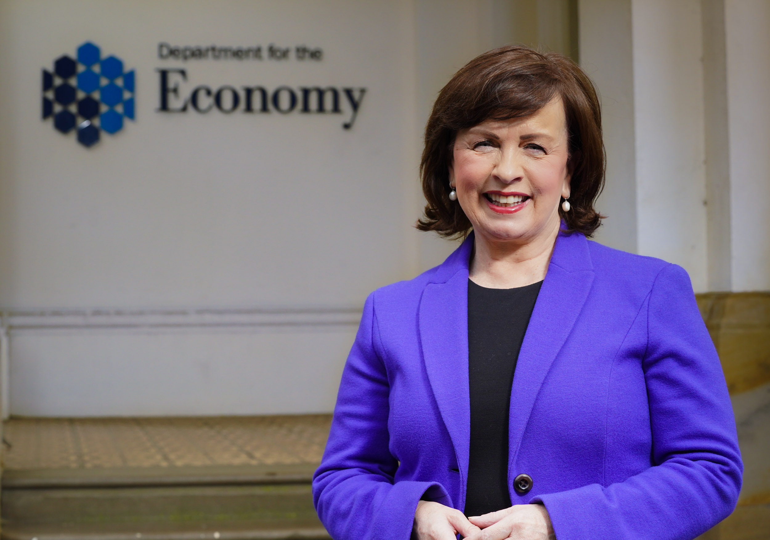 Minister announces business support schemes extended to cover new period of restrictions